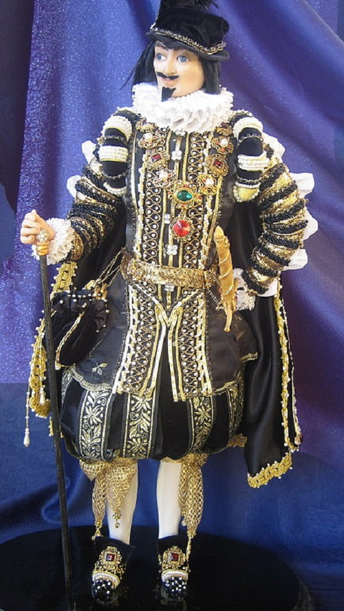 17th century Spain doll. Costume embroidery motifs on samples of 17th century Spanish paintings. Artist of applied art Elena Nechayeva