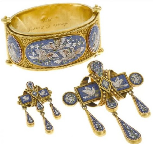 1870, the bracelet, pendant and brooch