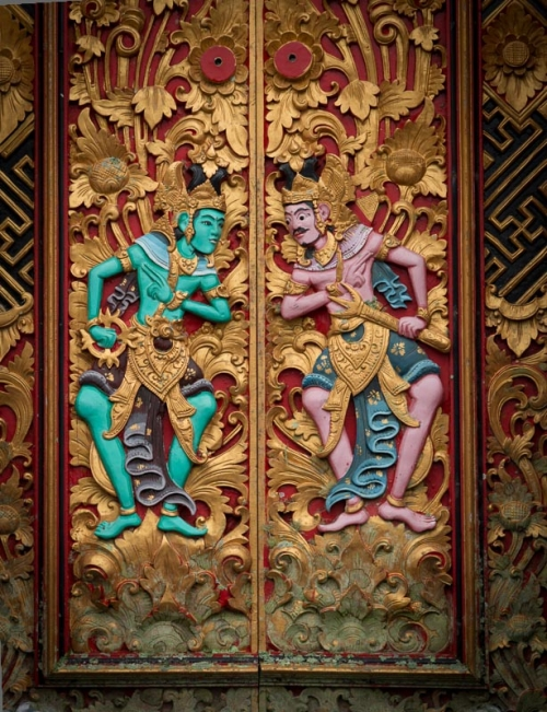 Balinese style doors with intricate carvings is a real piece of art