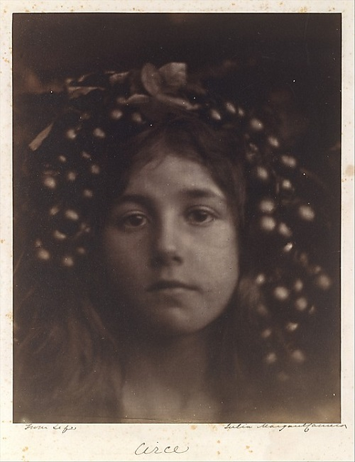 Circe. photographer Julia Margaret Cameron. 1865
