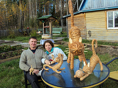 Family of Samharadze created feline family of five cats (wicker)