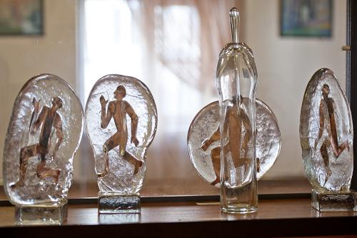 Glass artist Lyubov Savelieva