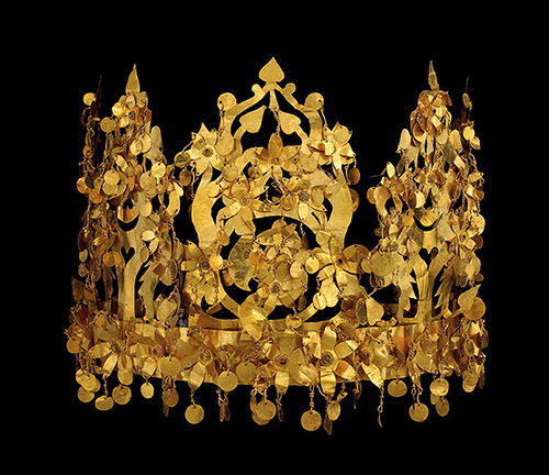 Ancient jewelry art of Afghanistan. Golden Crown