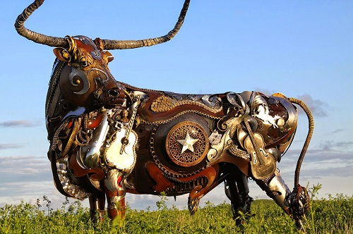 Texas Longhorn. Life-sized scrap metal sculpture by South Dakotan sculptor John Lopez