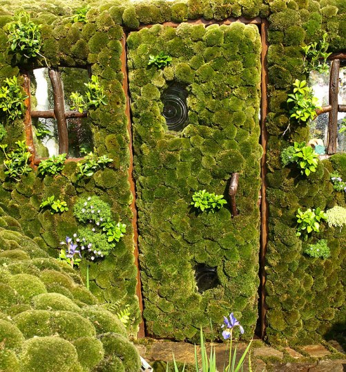 The Moss Door to the Enchanting Japanese 'Secret Garden' by Kazuyuki Ishihara in Japan