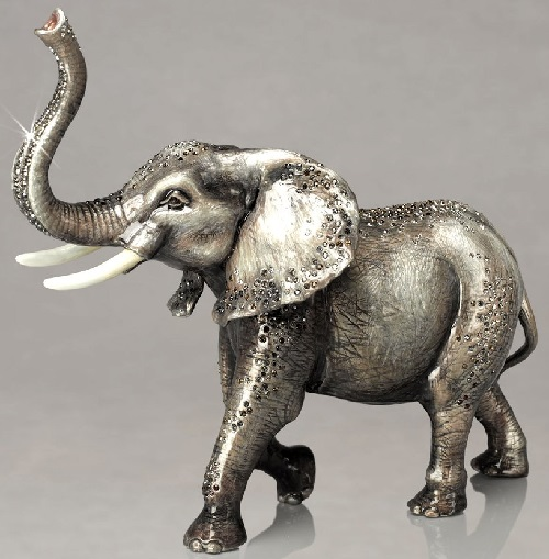 Animal figurines by Jay Strongwater company