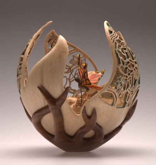 wood carver British artist Joey Richardson