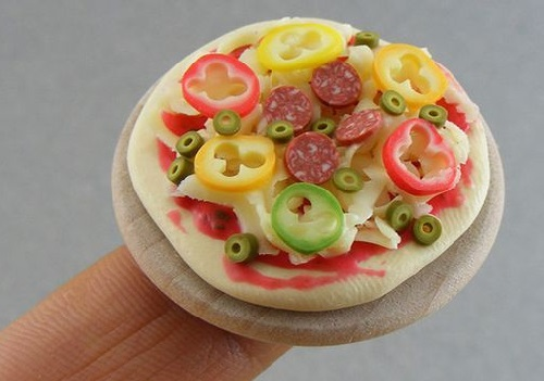 Miniature food by Israeli artist Shay Aaron