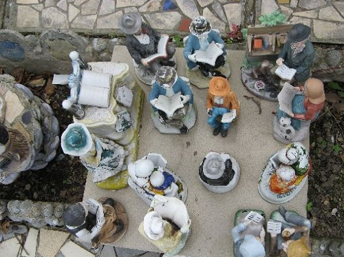 Robert Vasseur House of broken Crockery