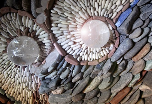 Mosaic of natural stone by Canadian artists Naomi Zettl & Andreas Kunert