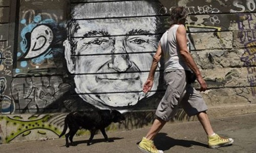 Robin Williams, below a bridge in Belgrade, Serbia
