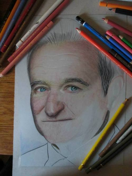 Robin Williams in pencil drawing by Christina