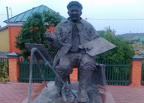 Monuments to artists. Monument to the painter Arkady Plastov in Prislonikha, Ulyanovsk region, Russia