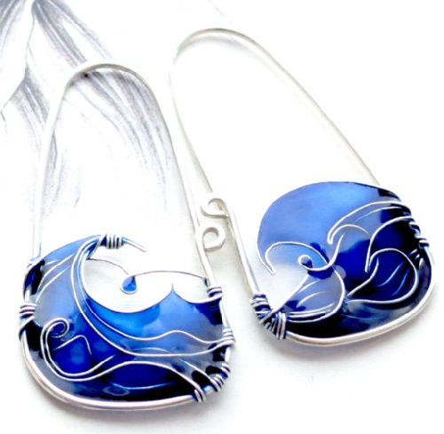 Blue Sea Earrings of sterling silver wire and colorful glass resins. Made by Bulgarian jeweler Elitsa Altanova