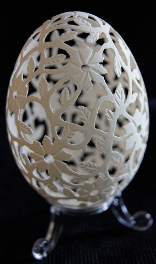 Carved goose eggs by craftsman from Poland Piotr Bockenheim