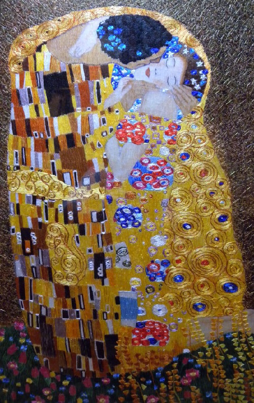 Reproduction of painting by Gustv Klimt 'The Kiss'. Chinese hand silk embroidery on silk