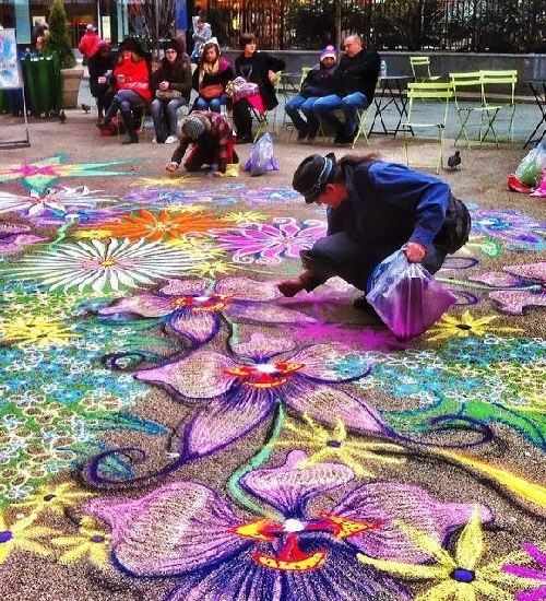 Stunning sand painting by American artist Joe Mangrum