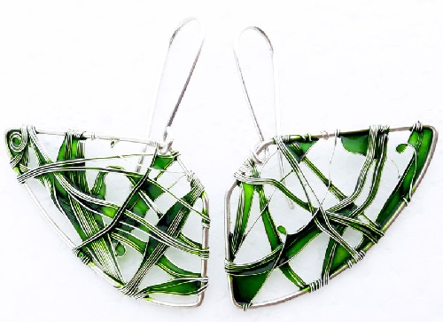 fan-shaped earrings of sterling silver wire, fine silver wire and emerald glass resin. Made by Bulgarian jeweler Elitsa Altanova