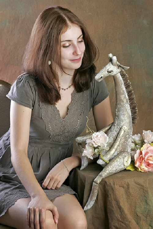 Julia Gorina with her Summer giraffe