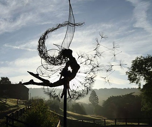 2014 in art. Favorite topics of British sculptor Robin White - girls and dandelions