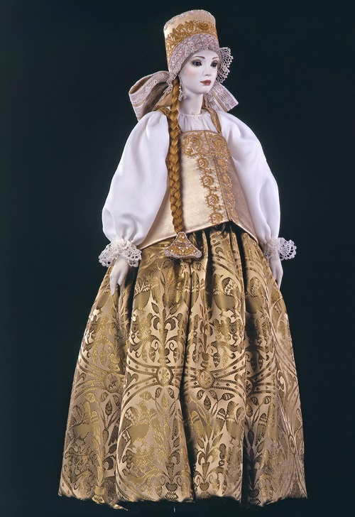 Maria. Costume of bride of Arkhangelsk province (late 18th - early 19th century). Porcelain, silk, hand embroidery, hand-painted. Lace hand-woven