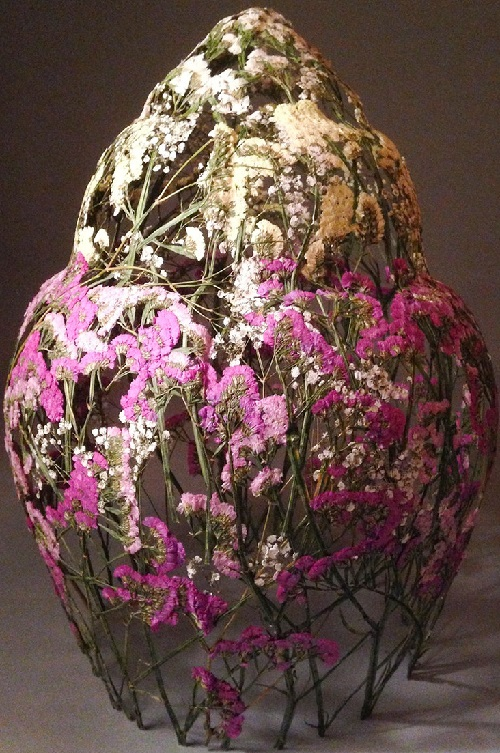 Dried flower sculpture