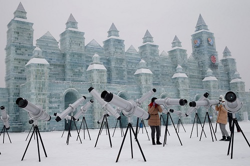 Ice sculptures at the 31 th International Ice and Snow Festival in Harbin, January 5, 2015