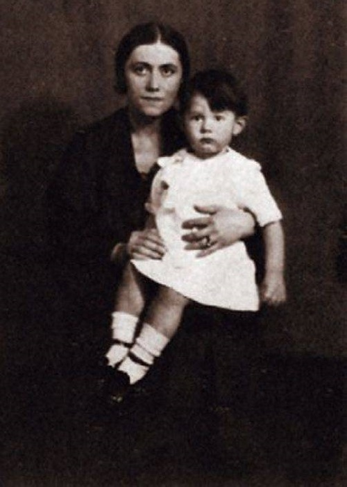 Olga Picasso with son
