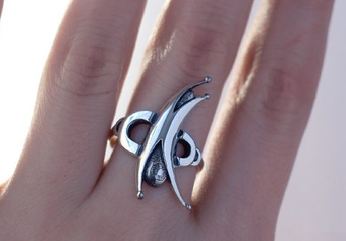 Acrobat silver ring. Jewelry art by Anna Kiryanova and Ivan Chernykh