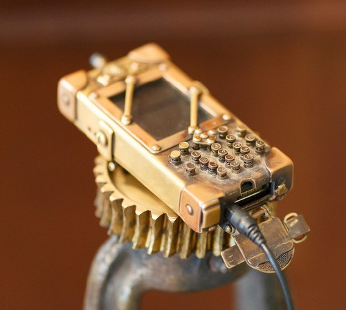 Steampunk Nokia 6670 by copper master Dmitry Tikhonenko