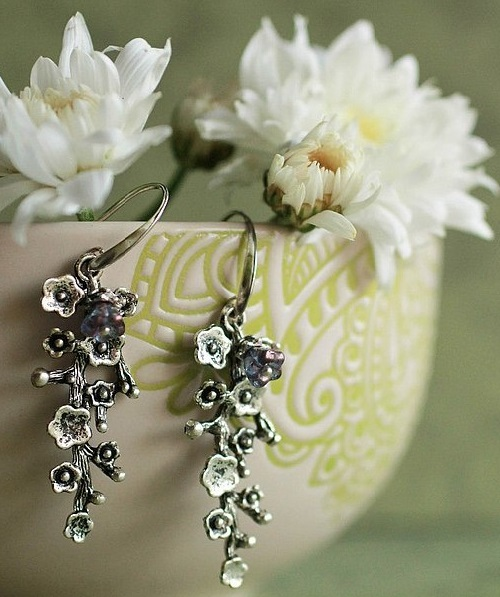 Earrings twig with flowers