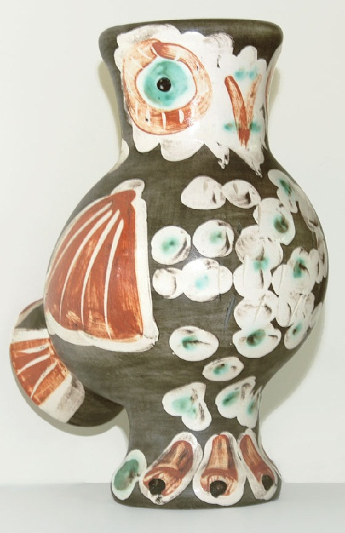 A ceramic vase with the image of an owl. Work by Picasso