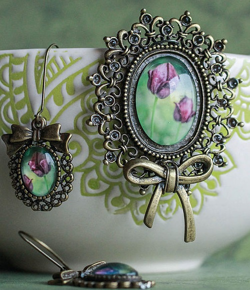 Tulips – brooch and earrings