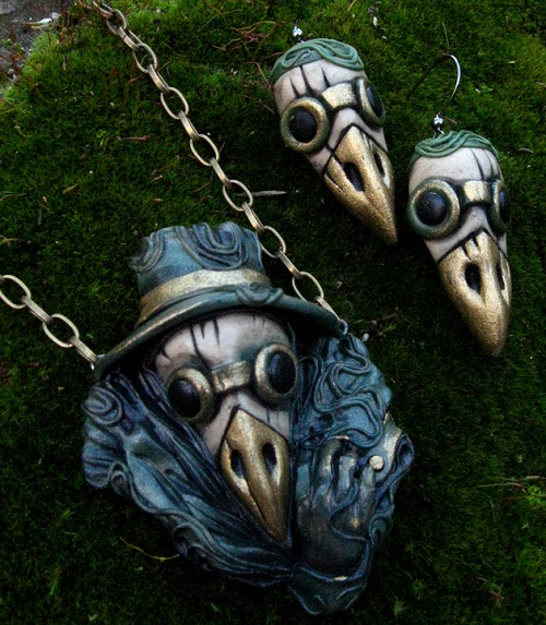 Plague doctor set in a green cloak (Earrings, Pendant). Materials - polymer clay, pastel, acrylic, bronze powder, lacquer