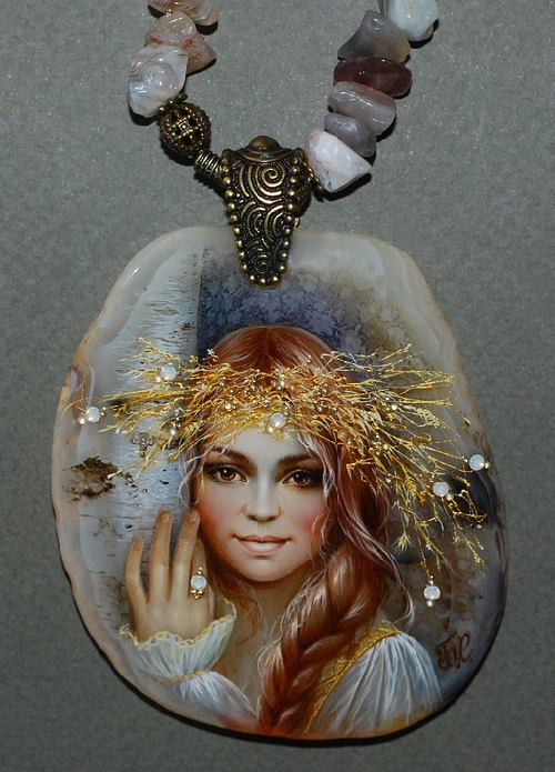 Pendant 'Forest Keeper - Dara'. Lacquer miniature by Svetlana Belovodova