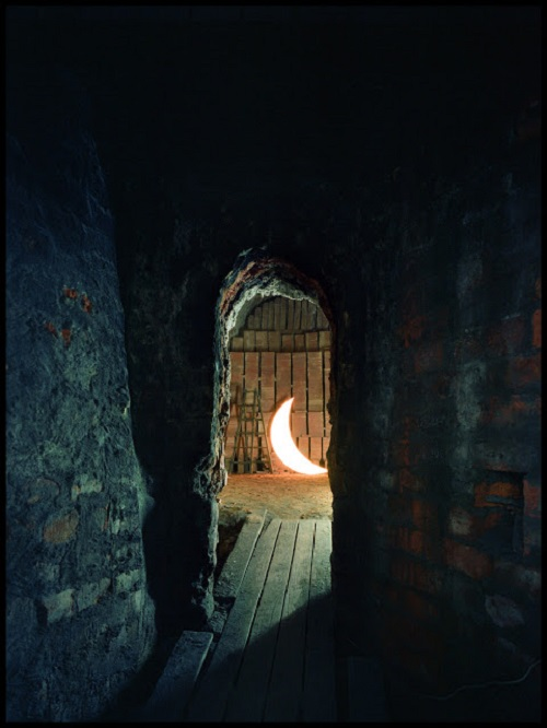 Private Moon in the clay oven. Kaohsiung. 2012. Photo Po-i Chen