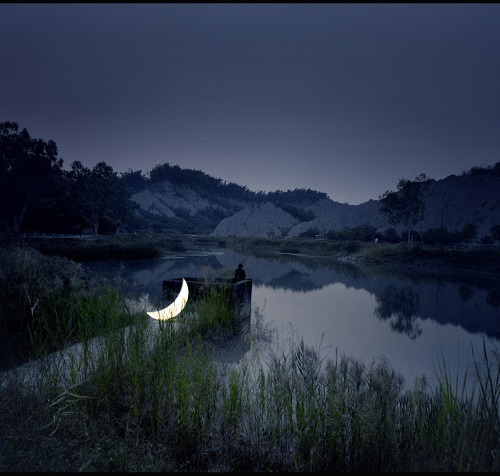 Private Moon on the Tianliao lake. Photo Po-i Chen. Kaohsiung Museum of Fine Arts