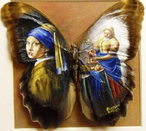 Painting on butterfly wings. Artist Cristiam Ramos