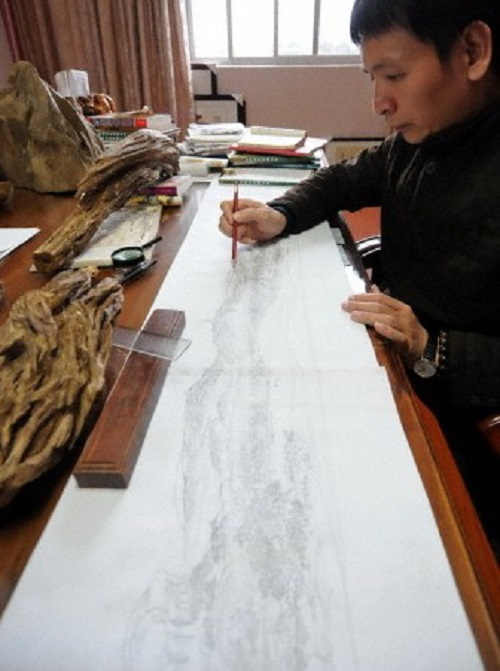 Chinese master Zheng Chunhui at work