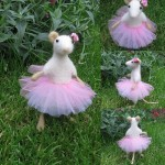 Ballerina mouse. Needle felted miniature by Krasnodar based artist Vera Megorskaya