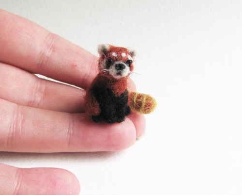 Red panda. Vera Megorskaya felted miniature