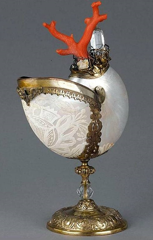 17-19 century Gilt-metal mounted nautilus shell cup