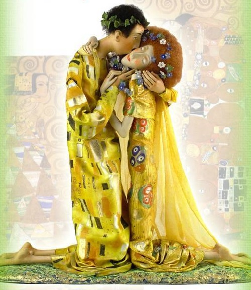 Kiss, inspired by Klimt. 2006. Art by Russian Doll master Olga Yegupets