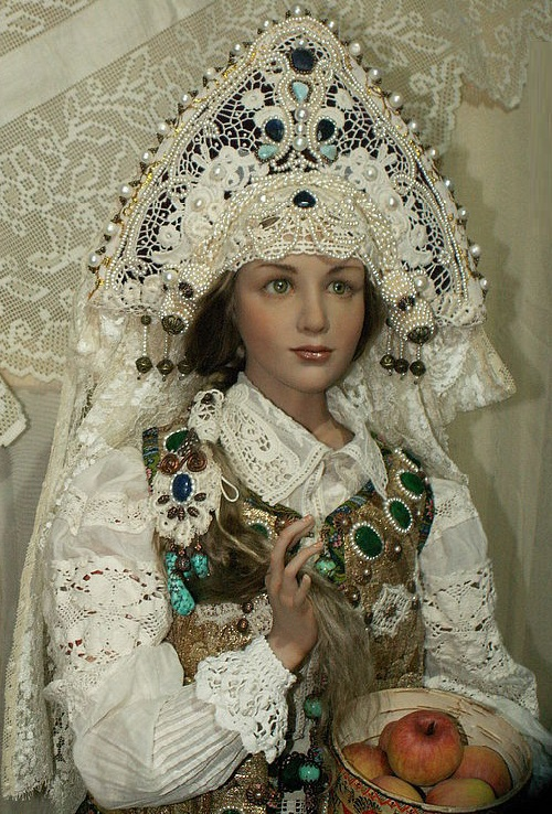 Russian Beauty. Hand embroidery, Vintage. Hyper realistic dolls by Alyona Abramova