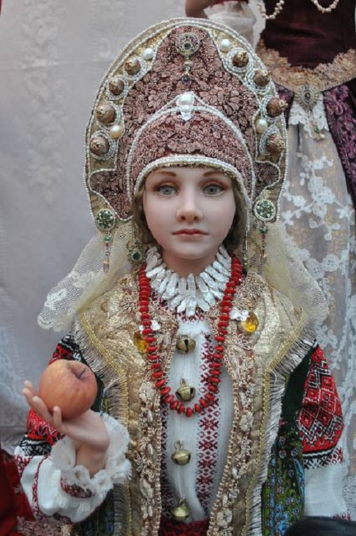 Folk doll in traditional kokoshnik