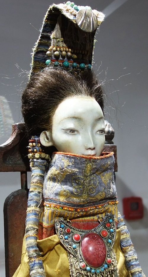 Khan woman, detail. Buryat Epic Dolls by Namdakov family