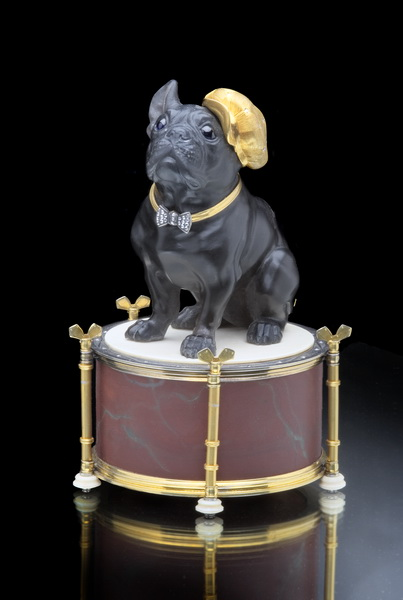 Bulldog on the drum (the work is in the State Hermitage). Material - obsidian, jasper, ivory