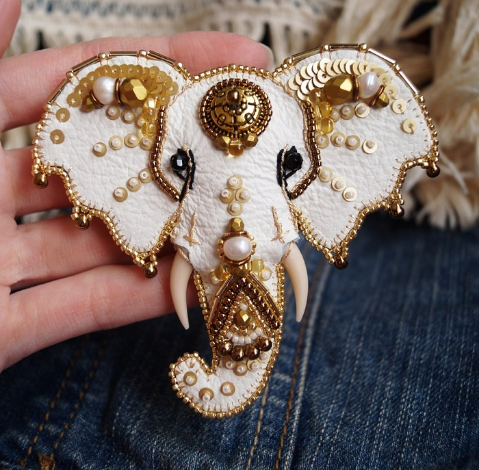 Elephant head brooch