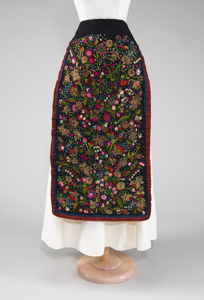 Apron. Hungary, the last quarter of the 19th century. Materials - silk, metal, linen, glass. The Metropolitan Museum of Art