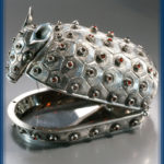 Armadillo. Jewellery box of silver and garnet